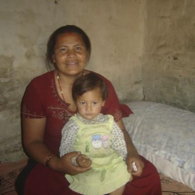 Une femme et sa fille, bénéficiaires de notre aide